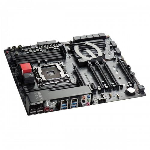 EVGA X99 FTW K: X99-Mainboard mit 4-Wege-SLI und USB Typ-C