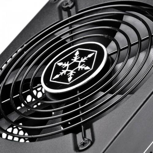 Bild: SilverStone stellt neue Strider-Platinum-Netzteile vor