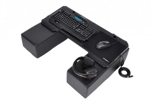 Couchmaster Cycon: Überarbeiteter Sofa-Gaming-Tisch