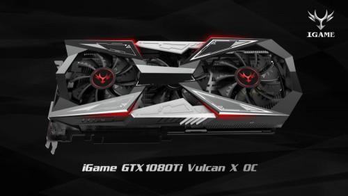 Colorful iGame GTX 1080 Ti Vulcan X OC mit Display auf der Grafikkarte