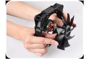Enermax D.F. STORM: Selbstreinigende Lüfter mit bis zu 3.500 RPM