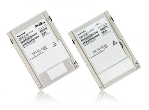 Toshiba stellt NVMe-SSDs mit SAS-Anschlüssen und bis zu 30 TB vor