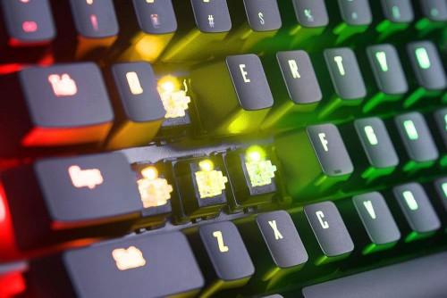 Gigabyte stellt die Aorus K9 Optical Gaming Tastatur vor