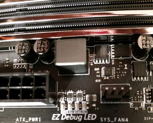 105.-MSI-Z370-Gaming-Pro-Carbon-AC-EZ-Debug-LED.jpg