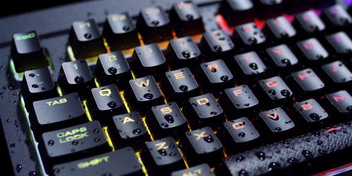 Corsair K68 RGB Gaming-Tastatur: Tastatur mit Spritzwasserschutz