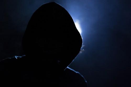hacker-1725256_1920.jpg