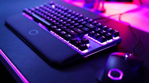 Cooler Master stellt neue Tastaturen aus gebürstetem Aluminium vor