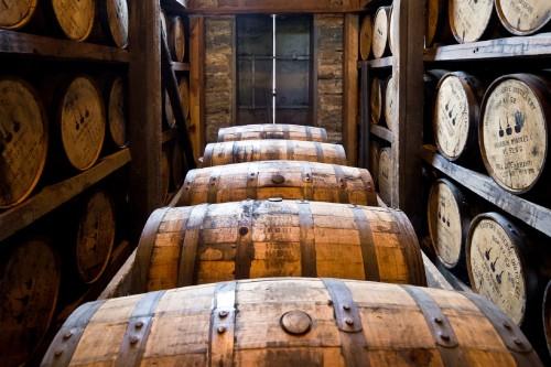 distillery-barrels-591602.jpg