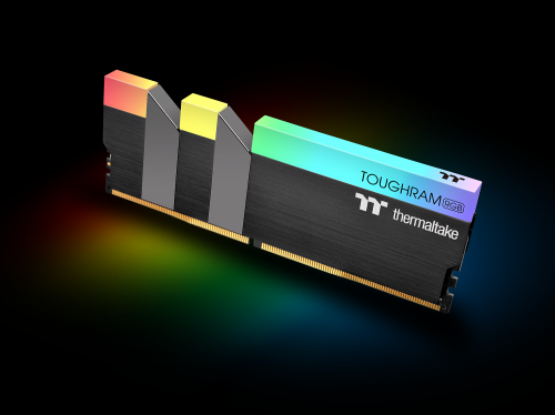 Bild: Thermaltake stellt Toughram-RGB-RAM in einem außergewöhnlichen Design vor