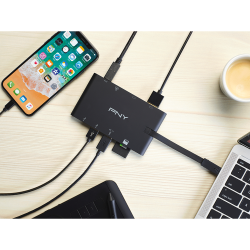 PNY_All-In-One-USB-C_lifestyle.png
