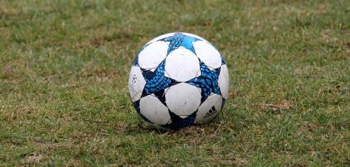 football-3231041_1920.jpg