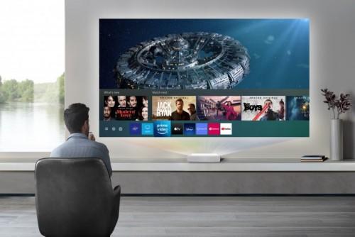 Samsung The Premiere: Beamer mit 120 Zoll Bildfläche von nur 25 Zentimetern Distanz