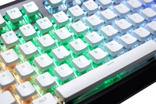 G.SKILL-Releases-Dual-Layer-Transparent-Crystal-Crown-Keycap-3.jpg