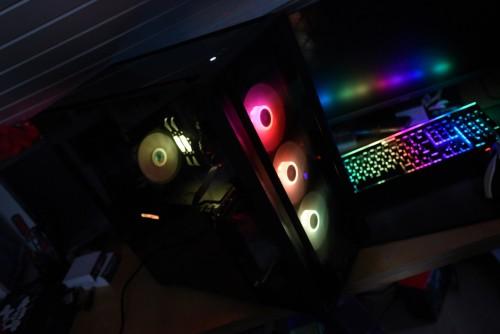 Bild: Corsair iCUE 5000X RGB im Videotest - funktionales Gehäuse mit viel Glas und RGB
