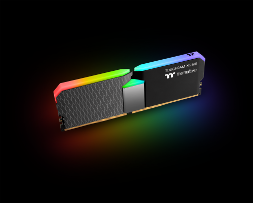 Thermaltake-TOUGHRAM-XG-RGB-DDR4-Memory-Kit-16GB-8GB-x-2_2.png