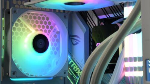 Enermax HF 120 ARGB Version: 3er-Lüfter-Set mit Beleuchtungs-Hub