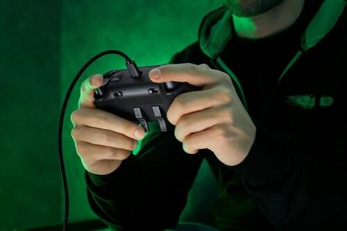 Wolverine V2 Chroma: Xbox-Controller von Razer