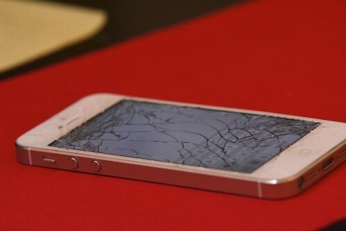 Smartphone: Reparaturangebote werden von vielen genutzt